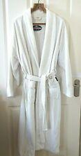 WHITE TOWELLING ROBE SIZE EXTRA LARGE UNISEX