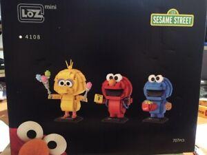 Sesame Street  LOZ Mini Building Blocks 707pcs