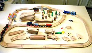 90+ PC LOT Wooden Thomas The Tank Engine Wood Train Track USED & engines +