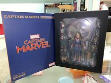 Mezco Toyz One:12 Collective Captain Marvel 6 inch Action Figure
