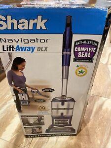 Shark Navigator Lift-Away Deluxe Bagless Upright Canister Vacuum NV360