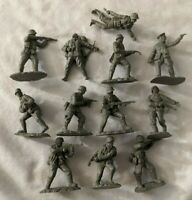 Conte Collectibles WW 2 German Soldiers Longest Day Figures 12 Figures Poses