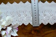 Cambric Lawn Cotton Eyelet Lace IVORY 8-9cm wide 2 Metre Length L2128 - LBC Flr