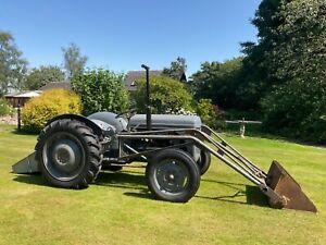 Ferguson TEA 20 tractor with loader