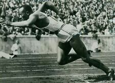 Jesses Owens Olympic Legend 10x8 Photo
