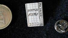 VW Volkswagen Pin Badge Beetle RSI AAA Berlin 2000 Millenium Edelstahl 2D Relief