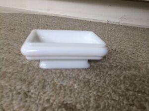 Vintage White Milk Glass Bar Soap Dish Powder Room Vanity Farm House Avon Clean