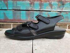 Womens Size 7.5 S SAS TriPad Comfort Black Leather 3 Strap Sandals Shoes USA