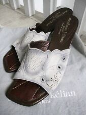STEPHANE Kelian così bello, in pelle scamosciata Muli EUR 37 1/2 (UK 4 1/2) indossata due volte solo in buonissima condizione!