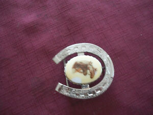 Horseshoe belt buckles Silver metal