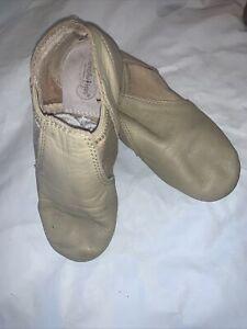 Revolution Tan Jazz Slip-on Shoes Size 4