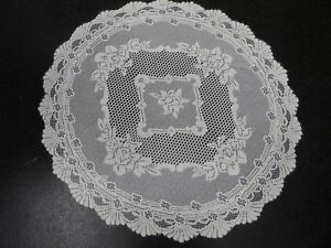 """TRADITIONAL WHITE PRETTY FLORAL LACE TABLE CLOTH 36"""" ROUND EASYCARE £7.69 EACH"""