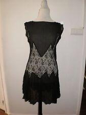 robe noir année 20 avec dentelle (t:36-38)