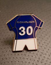 Everton Kit Pin Badge - Richarlison No.30