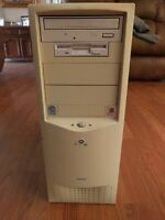 Gateway LP Mini Tower TB3 Essential 550 with Intel Pentium III Processor