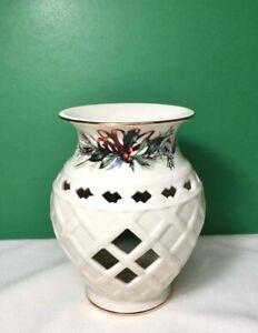 LENOX Winter Greetings FRAGRANCE WARMER Tea Light CANDLE Porcelain NEW UNUSED