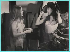 "KOO STARK & SUSAN PLAYER in ""Las Adolescentes"" - Original Vintage Photo - 1975"