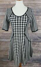 Sandra Darren Women's Geometric Print 3/4 Sleeve A-line Sweater Dress Sz Medium