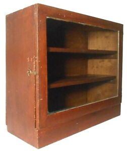MID-LATE 19TH C AMERICAN PRMTV ANTIQUE SM RED PNTD 3 SHELF WD CABINET W/GLASS DR