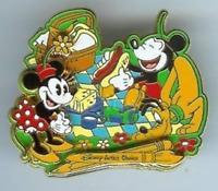 Disney Pin 32589 WDW Family Gathering Artist Choice #9 Picnic Mickey Minnie LE