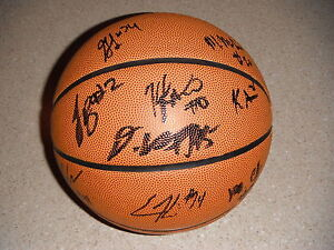 2016 MICHIGAN STATE SPARTANS TEAM SIGNED BASKETBALL