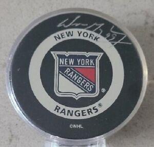 UDA Wayne Gretzky Signed New York Rangers Official Game Puck Upperdeck NHL