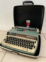 1968 Smith Corona Electra 210 Vintage Electric Typewriter W/ Case MCM FRENCH KB