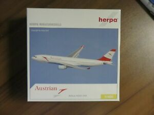 Herpa 1/400 Austrian airbus A330-200 with registration 561006