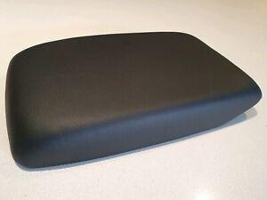 Toyota Kluger armrest lid ,2007 -2013 model , PU leather Black, centre console