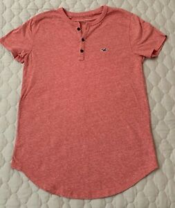 Hollister  mens salmon color short sleeve Henley shirt size small