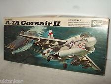 Vintage Revell A-7A Corsaire 11 Kit Modélisme en 1:72 Echelle