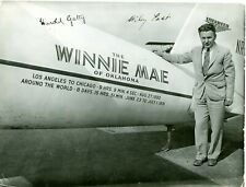 WILEY POST AND HAROLD GATTY SIGNED 1933 PHOTO WINNIE MAE ROUND THE WORLD RTW