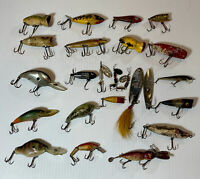 Lot Of 24 Mixed Fishing Lures Jiggling Rapala Heddon Freshwater Fishing Lures
