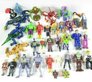 MIXED LOT OF VINTAGE 1980's & 1990's ACTION FIGURES