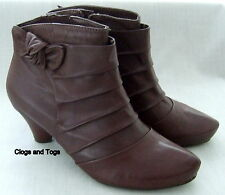 NEW CLARKS SOFTWEAR KRISTA AZURE BROWN LEATHER BOOTS SIZE 7.5 / 41.5