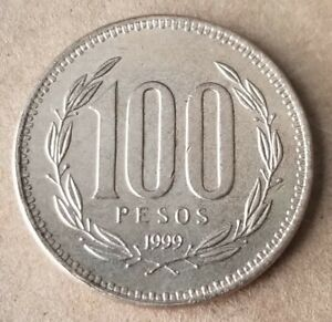 1999 Chile 100 Pesos Coin w/ Country's Arms on One Side, Very Good Condition