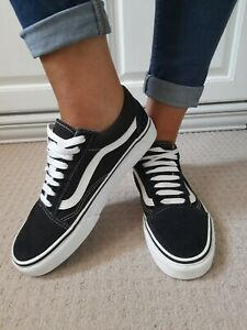 Old Skool Black And White Suede Lace Vans Size UK 5.5