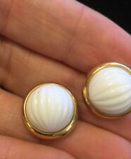 Vintage TRIFARI Pierced White Cab & Gold Tone Simple & Elegant!