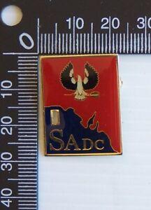 VINTAGE SADC SOUTH AUSTRALIA METAL LAPEL COAT HAT SOUVENIR PIN BADGE