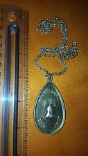 1776 - 1976 BICENTENNIAL COMMEMORATIVE PEWTER NECKLACE PENDANT MEDAL BY GERI