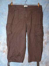 Womens Comfy Black St John/'s Bay Flat Front Cargo Capri Pants Size 10 NEW NWT
