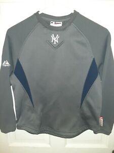 Boys New York Yankees Sweatshirt, Grey, Majestic Size Medium