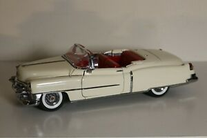 DANDURY MINT1953 CADILLAC ELDORADO CONVERTIBLE 1/16  Diecast model car