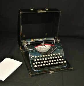 Old Underwood Portable Typewriter With Case