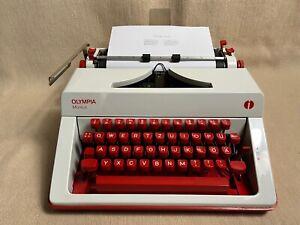 Olympia Monica typewriter portable red Schreibmaschine