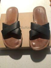 olukai sandals, women's, size 8, black slide sandals.