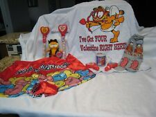 Garfield Valentine clothing, plush etc. lot