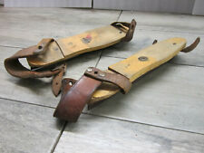 Ancienne paire de patins à glace en bois acier et cuir début XXè