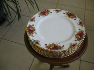 Royal Albert Old Country Roses large dinner plates  x  8  Reduced