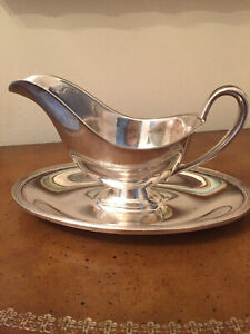 Wm Rogers Silverplated Gravy Boat - Madison pattern #5813 - Vintage